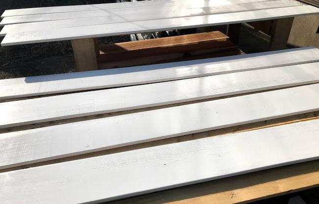 【店舗制作】店舗内装の壁板の塗装ばい★佐世保市便利屋ブエノ
