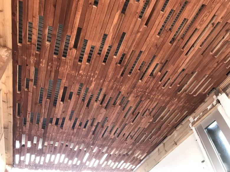 【店舗製作】天井ば塗るバイ