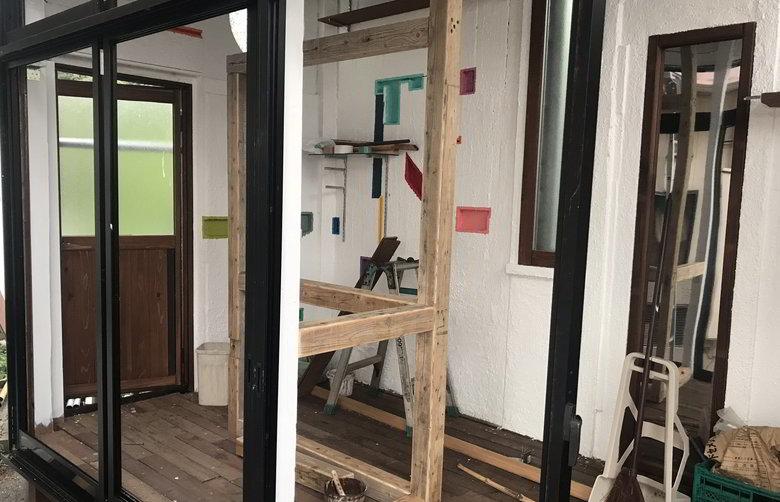 【店舗製作】ドアに板ば貼り付けるばい