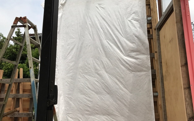 【店舗製作】防水シートと壁板の貼りつけ